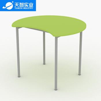 36位物理学科教室(月牙课桌椅)