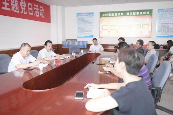 三门峡职业技术学院书记刘廷福调研图书馆