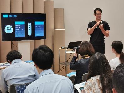 童心制物(Makeblock)與軟銀C&S在日本召開媒體發布會,正式將童小點思維啟蒙機器人推向日本市場