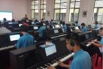 """智能钢琴""""落户""""校园 不一样的音乐教学"""
