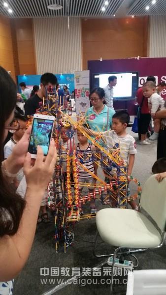 国际STEM®科学节 科技咖的日常好玩又好学