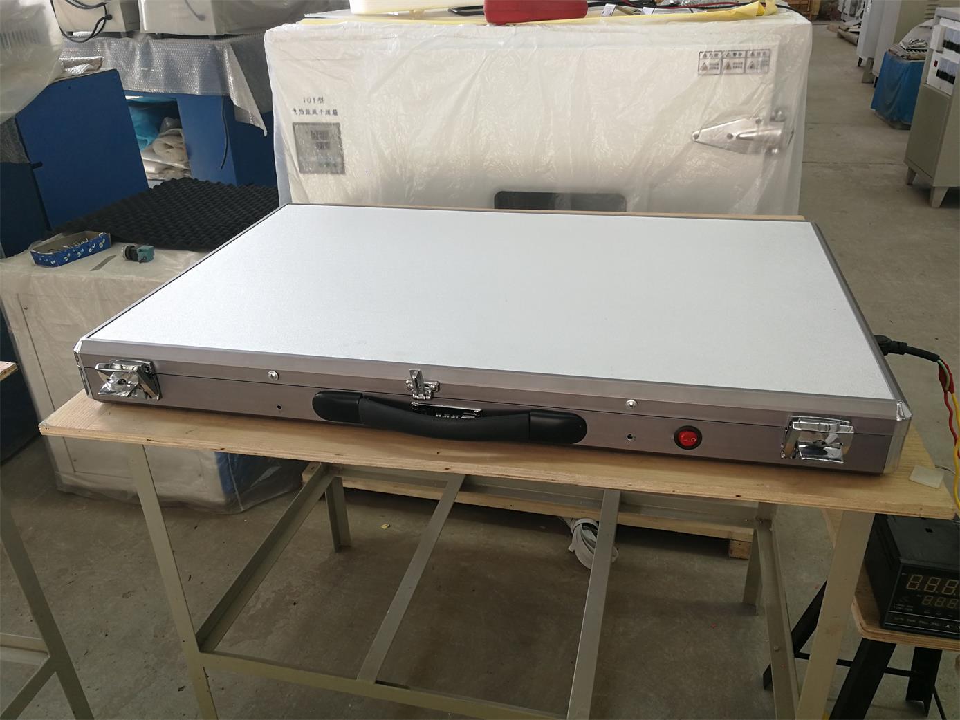 低温平板加热器