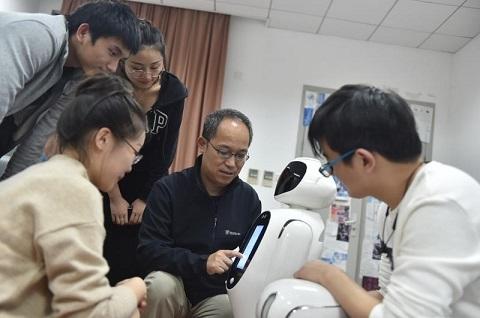 复旦大学团队研发第六代智能机器人
